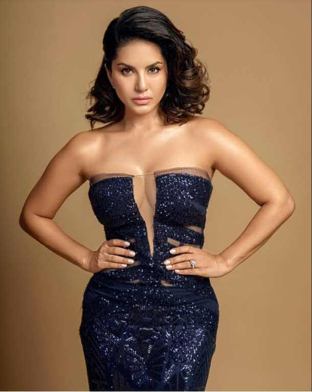 Sunny Leone Bule Color dress Photo