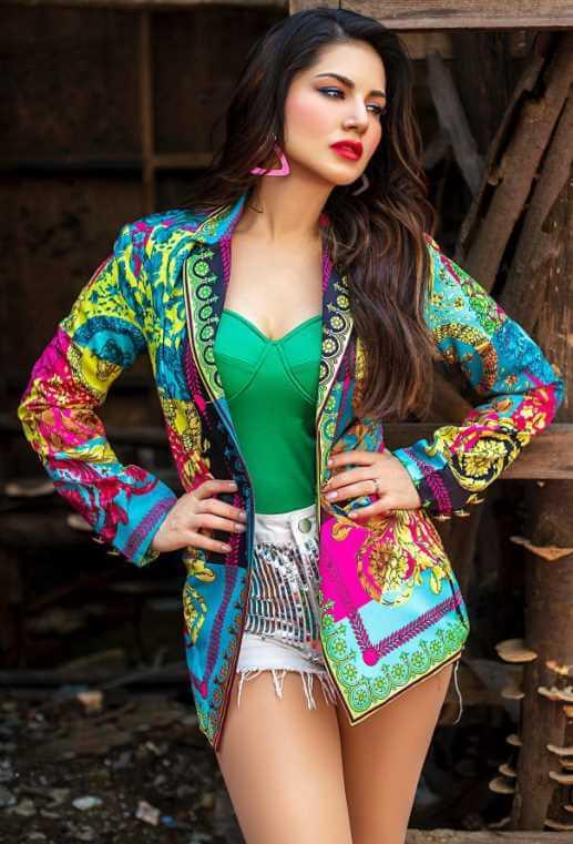 Sunny Leone Image