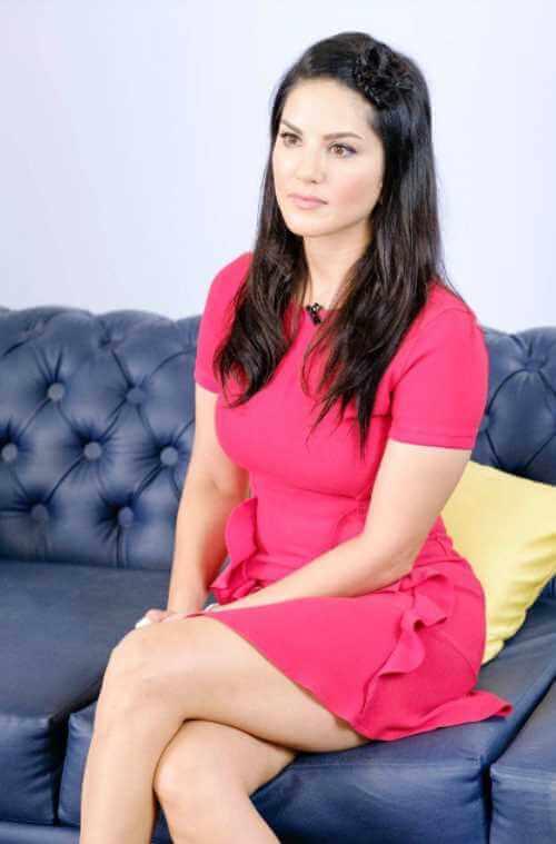 Sunny Leone Pink Color dress Photo