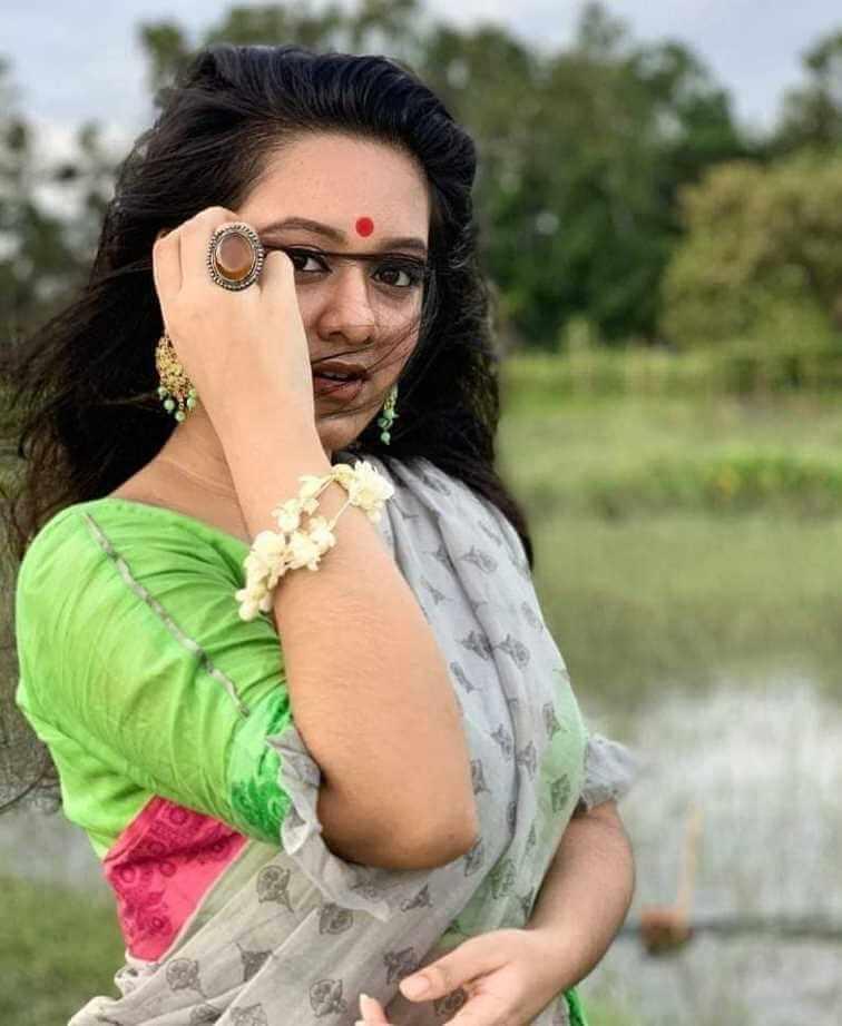 Bangladeshi-actress-Dighi-saree-photo