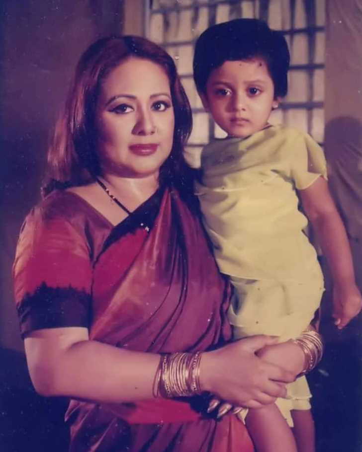 Dighi with her mother Doyel