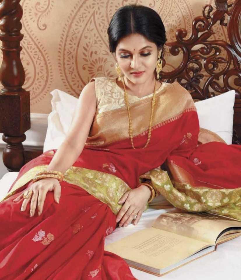 Mithila picture in saree