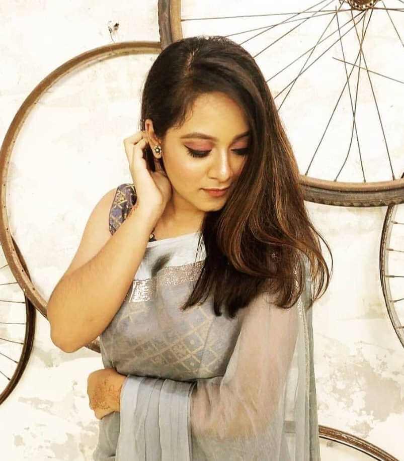 Prarthana Fardin Dighi Saree photo