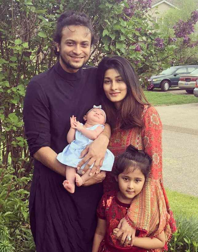 Shakib Al Hasan With her Wife & Children