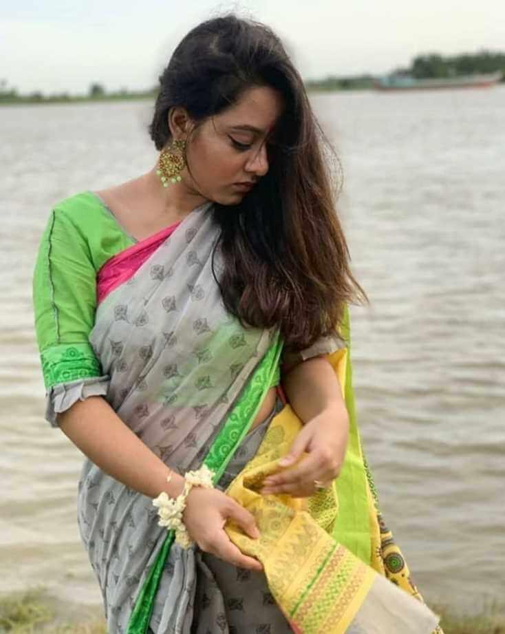 actress-Prarthana Fardin Dighi pic in new saree