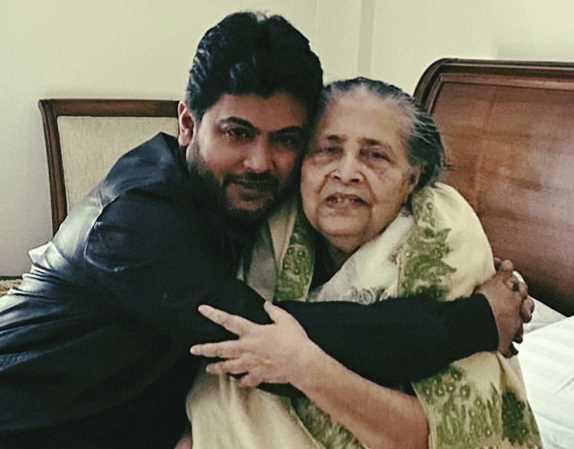 Nixon Chowdhury with mother