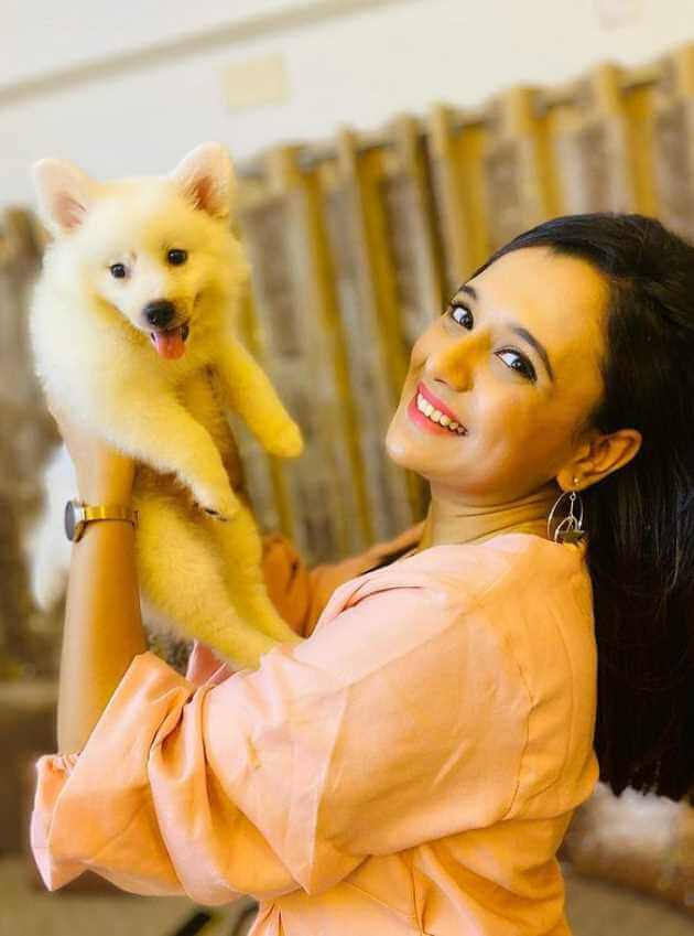 Sabila Nur With her Dog