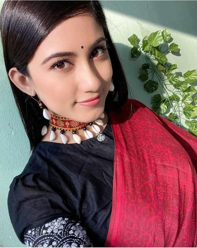 Safa Kabir Selfie