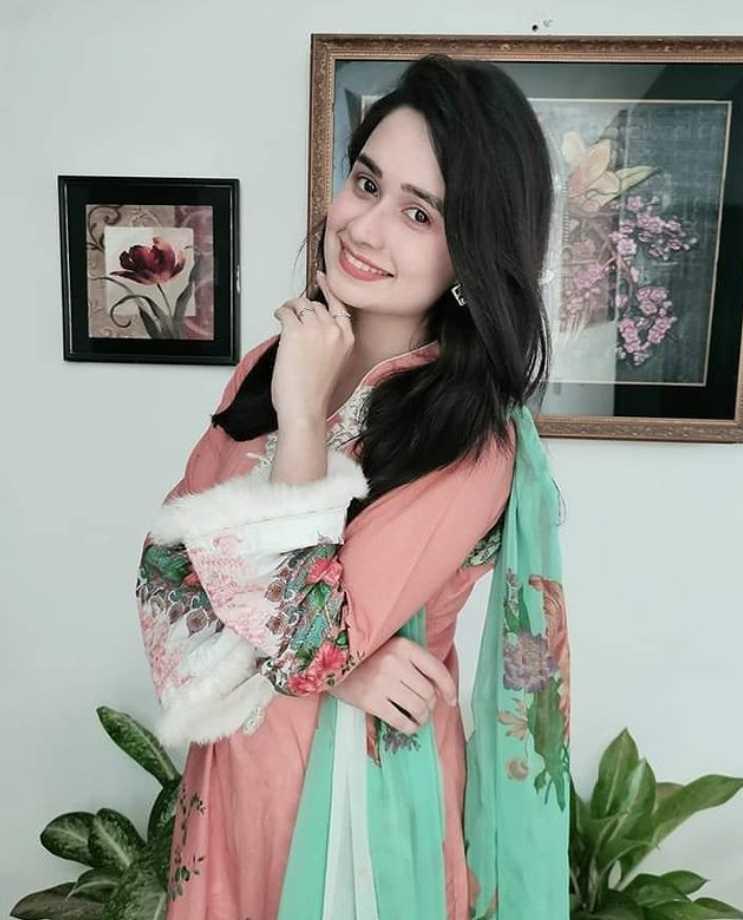 Jannatul Ferdous Oishee Salwar Kameez Style picture 3