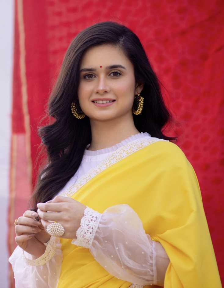 Jannatul Ferdous Oishee new saree photo