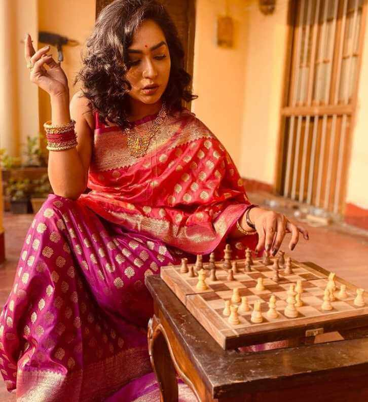 Zakia Bari Mamo playing Chess