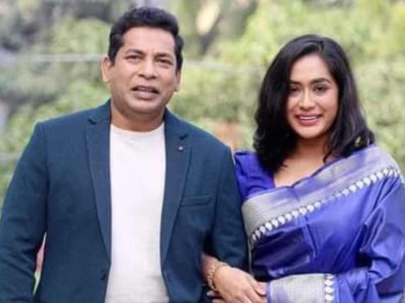 Zakia Bari Mamo with Mosaraf Karim