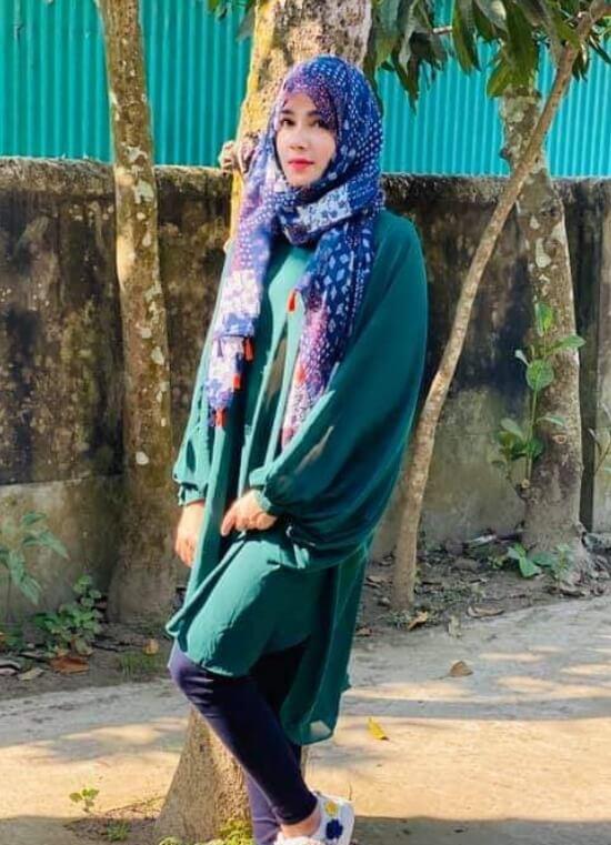 Mahiya Mahi Hijab Style Photo