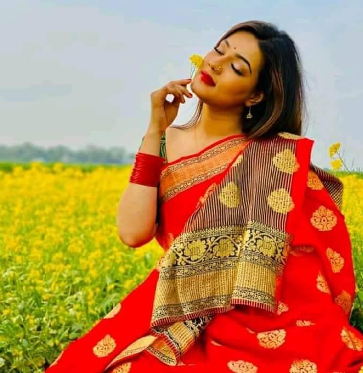 Mahiya Mahi Hot Saree Photo