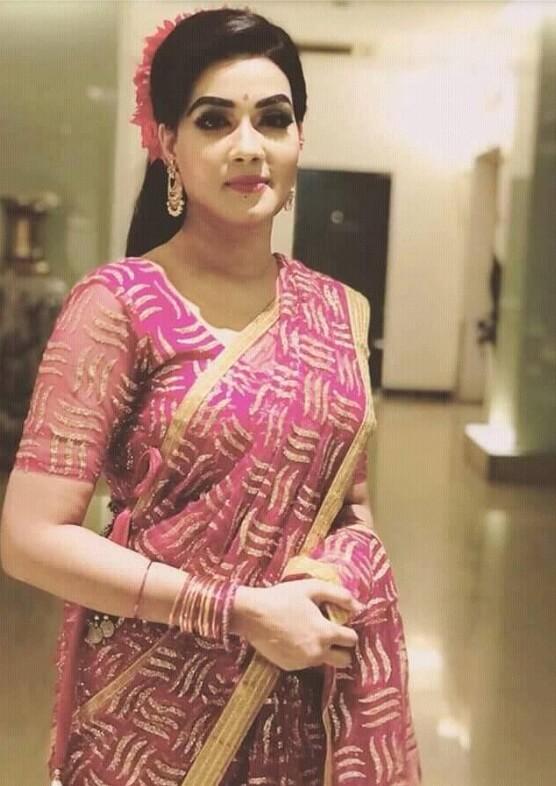 Mahiya Mahi Old Saree Pic