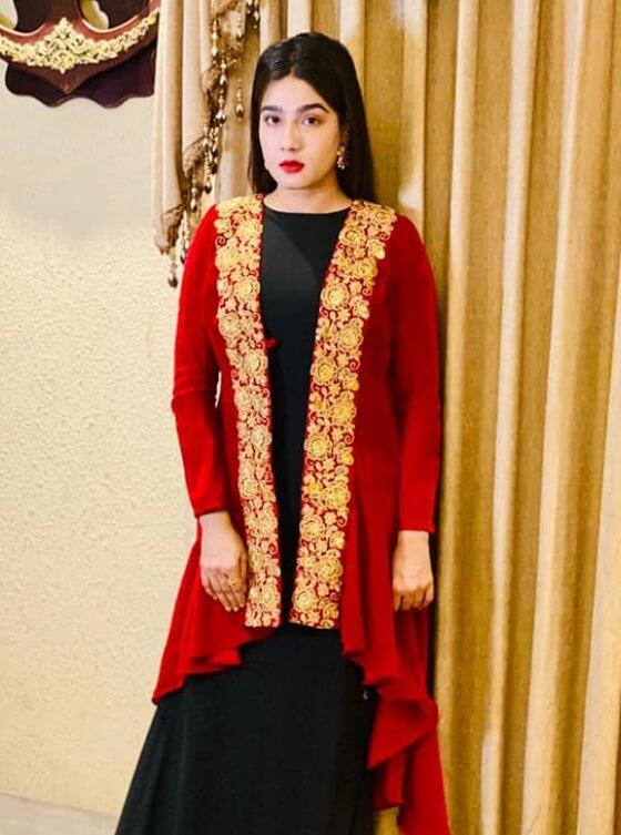 Mahiya Mahi Salwar Kameez Photo1