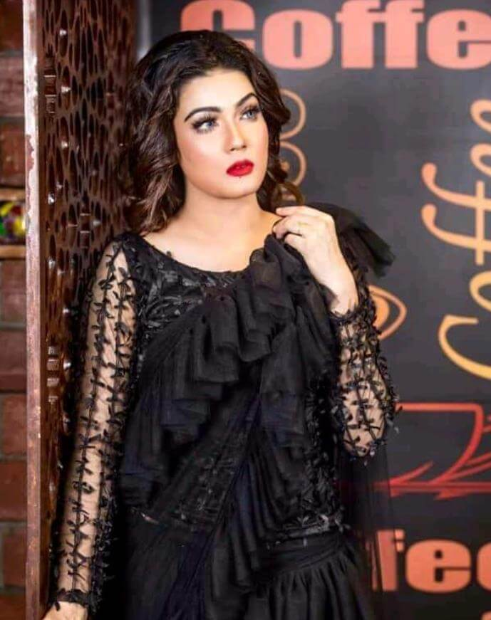 Mahiya Mahi Saree Style Image