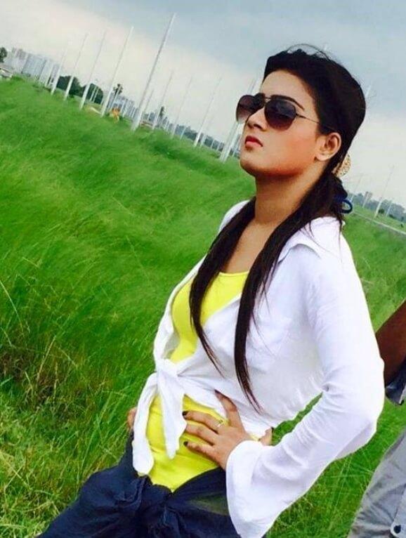 Mahiya Mahi Sunglass Style Pic
