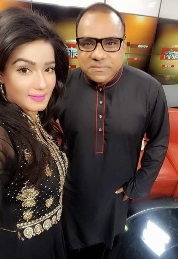 Mahiya Mahi with Misa Sawdagar Photo