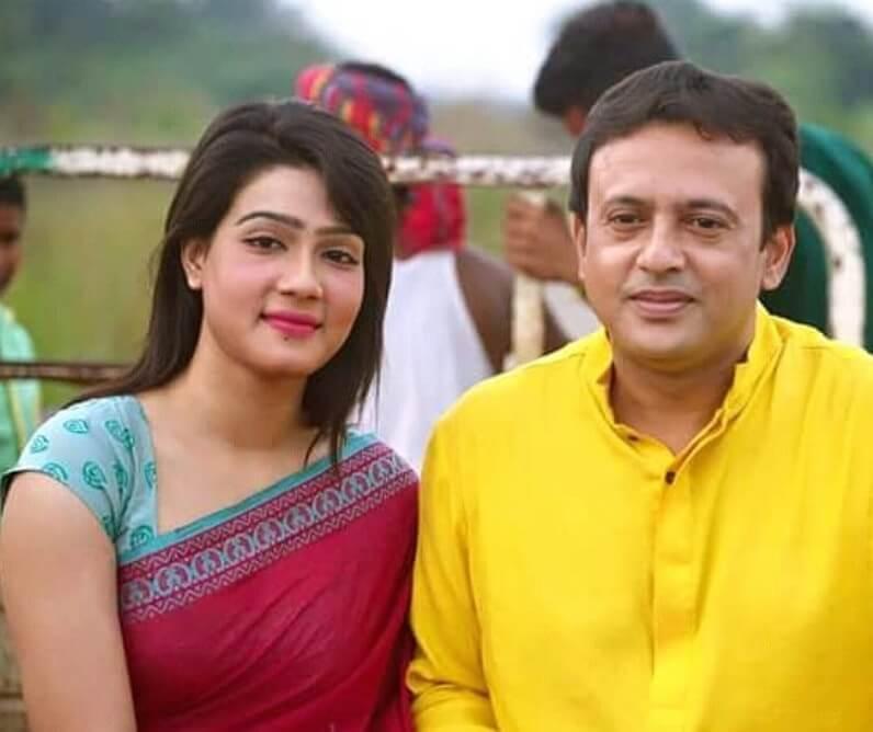 Mahiya Mahi with Riaz