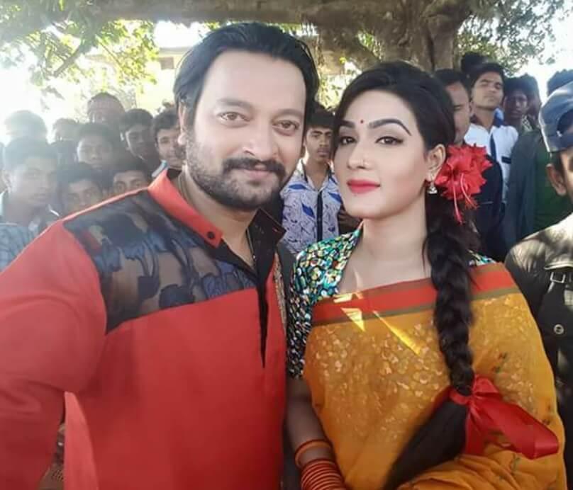 Mahiya Mahi with Symon Sadik Photo