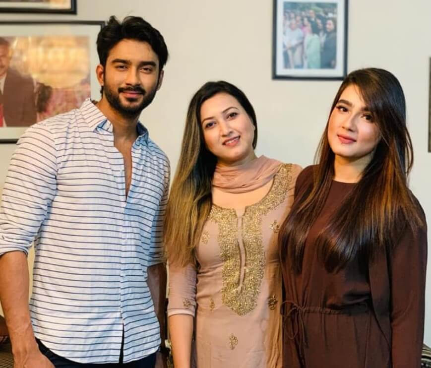 Mahiya Mahi with Ziaul Roshan Photo