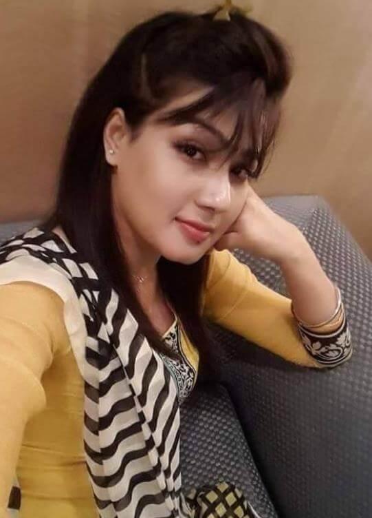 Mahiya Selfie Image