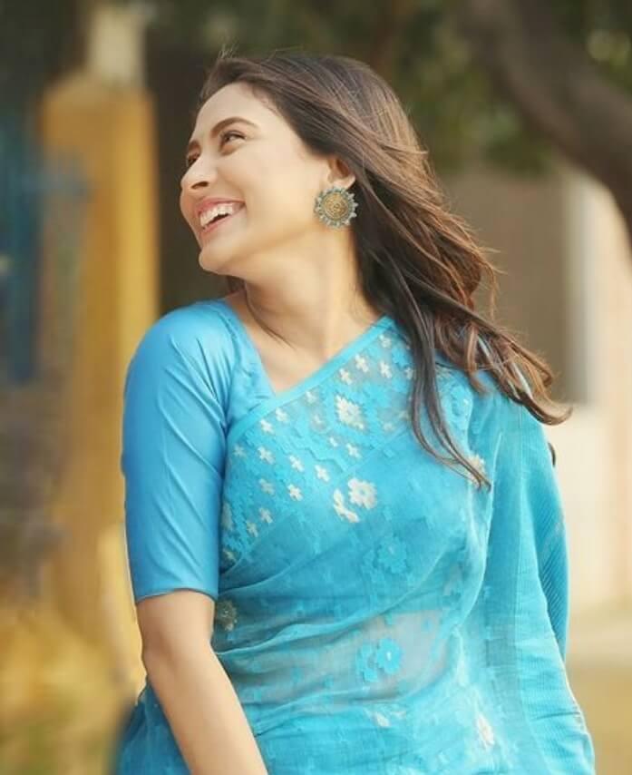 Mehazabien Chowdhury beautiful Saree Pic