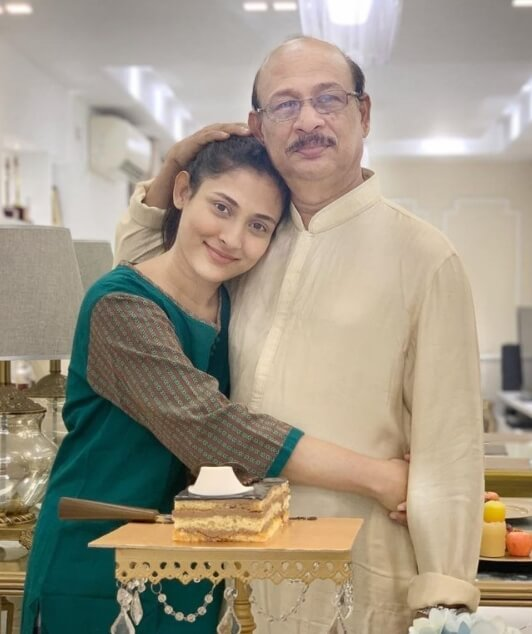 Mehazabien Chowdhury with her Father picture