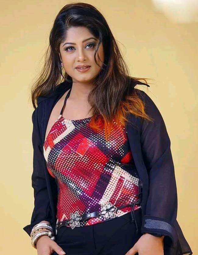Moushumi Beautiful Pic