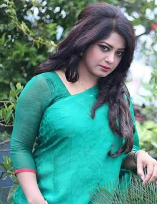 Moushumi Beautiful Saree Photo