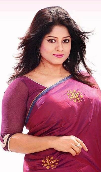 Moushumi Beautiful Saree Pic