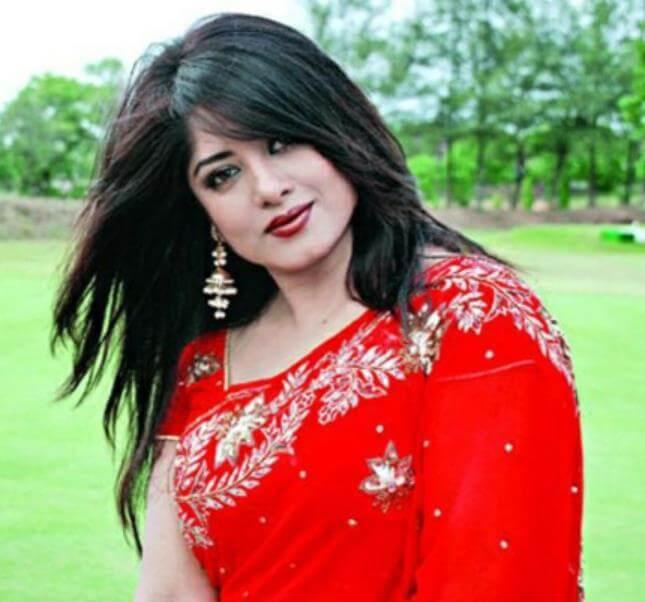 Moushumi HD Saree Picture