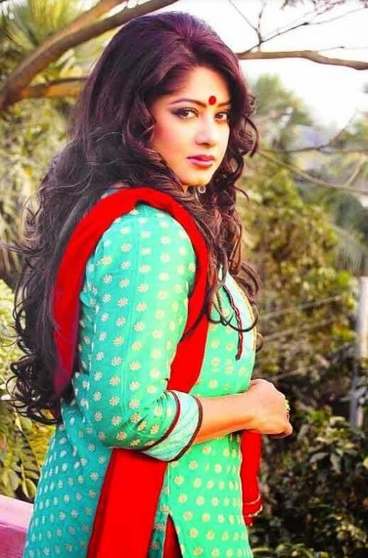 Moushumi Salwar Kameez Hot Photo