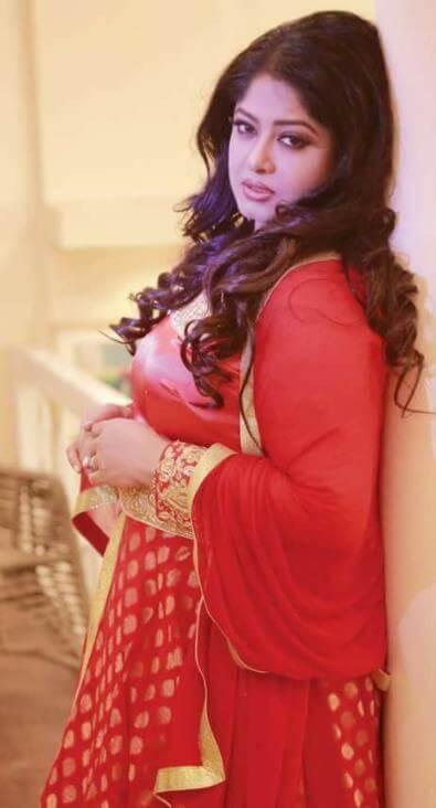 Moushumi Salwar Kameez Pic