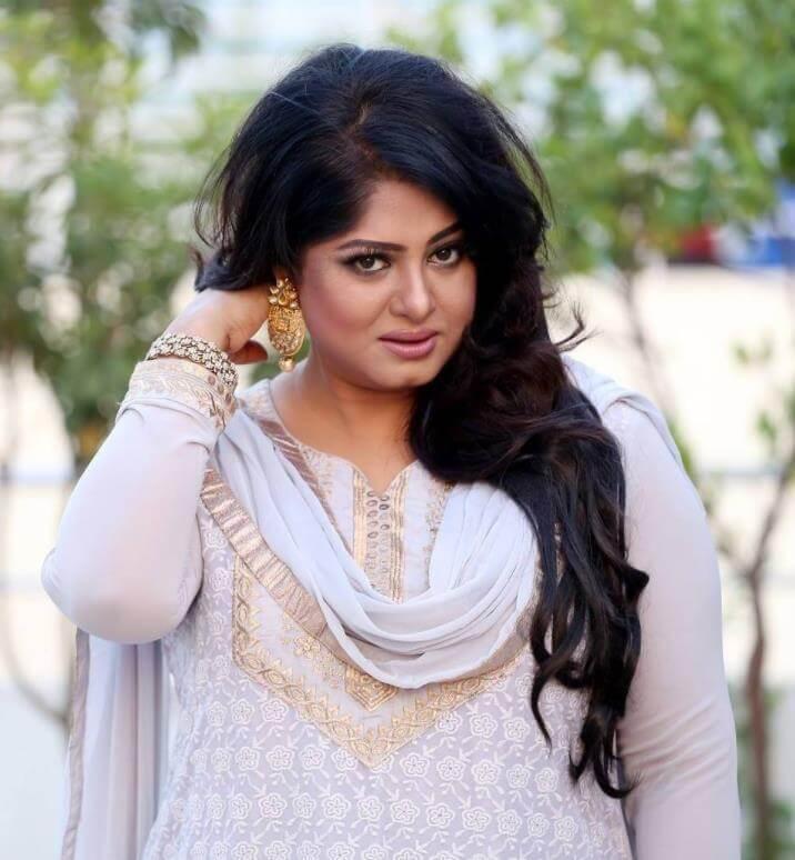Moushumi Salwar Kameez Style Photo