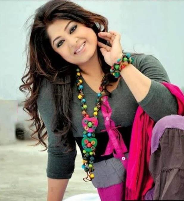 Moushumi Salwar Kameez Style Pic