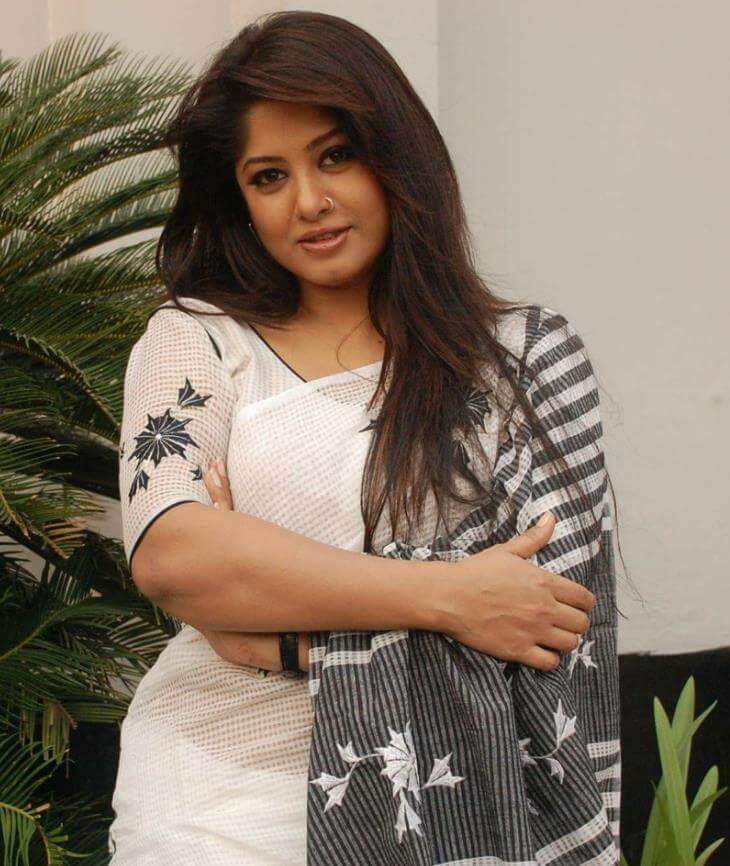 Moushumi Saree Photo