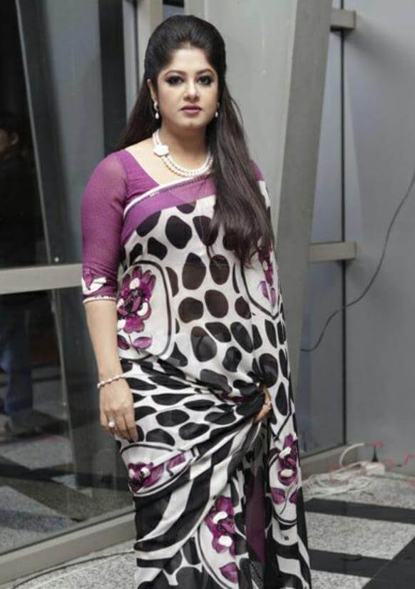 Moushumi Saree Pic