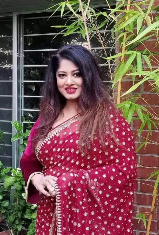 Moushumi  Saree Picture