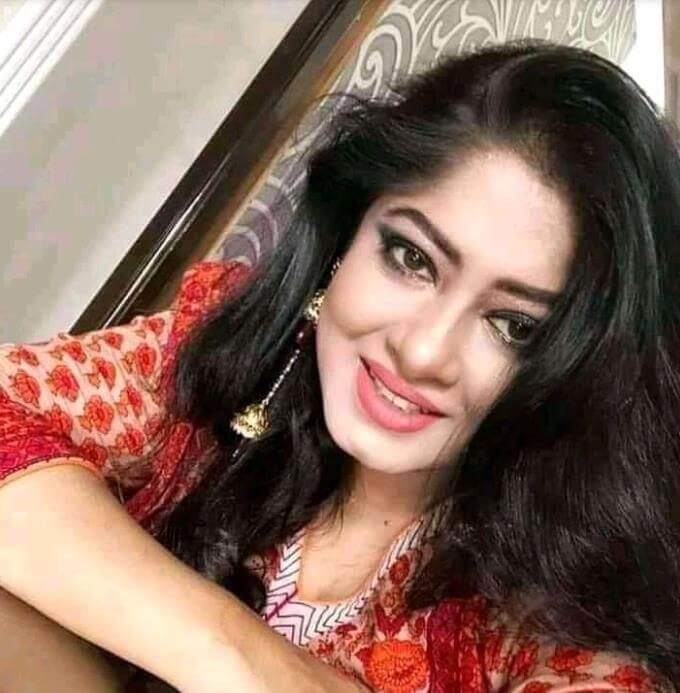 Moushumi Selfie Image