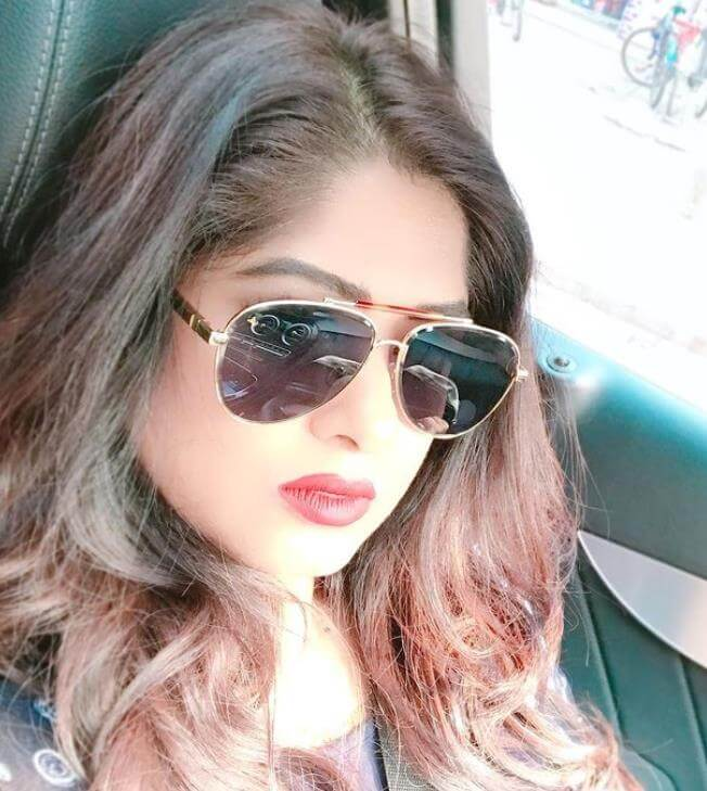 Moushumi sunglass style Selfie