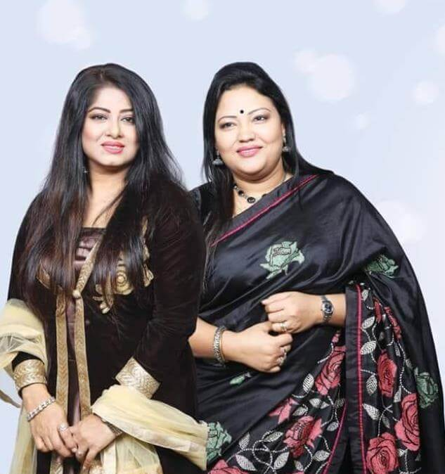 Moushumi with Momtaz Begum Picture