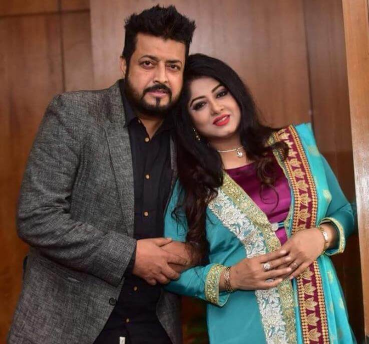 Moushumi with Omar Sani HD Picture