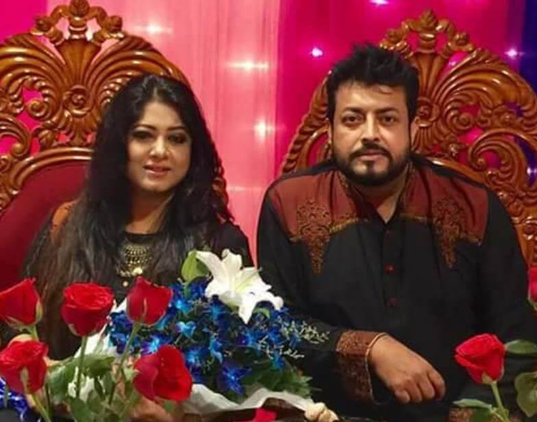 Moushumi with Omar Sani wedding Photo