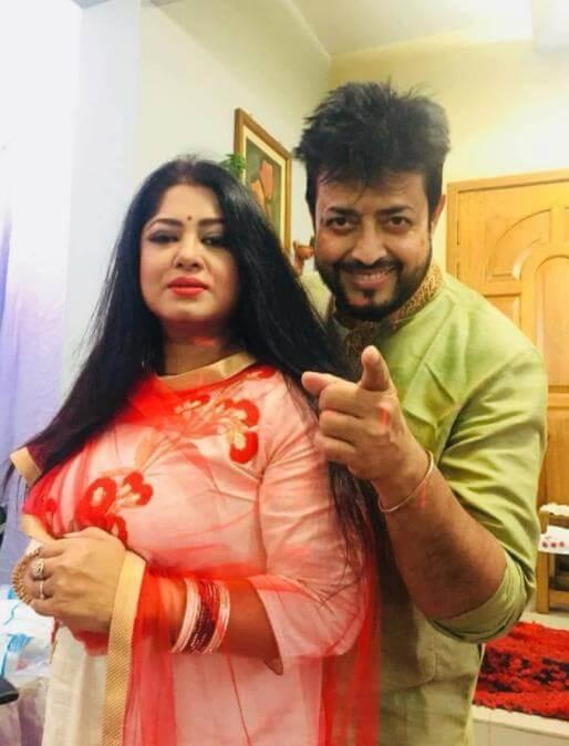 Moushumi with her husband Omar Sani Pic