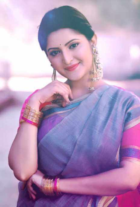 Pori Moni Beautiful saree Picture
