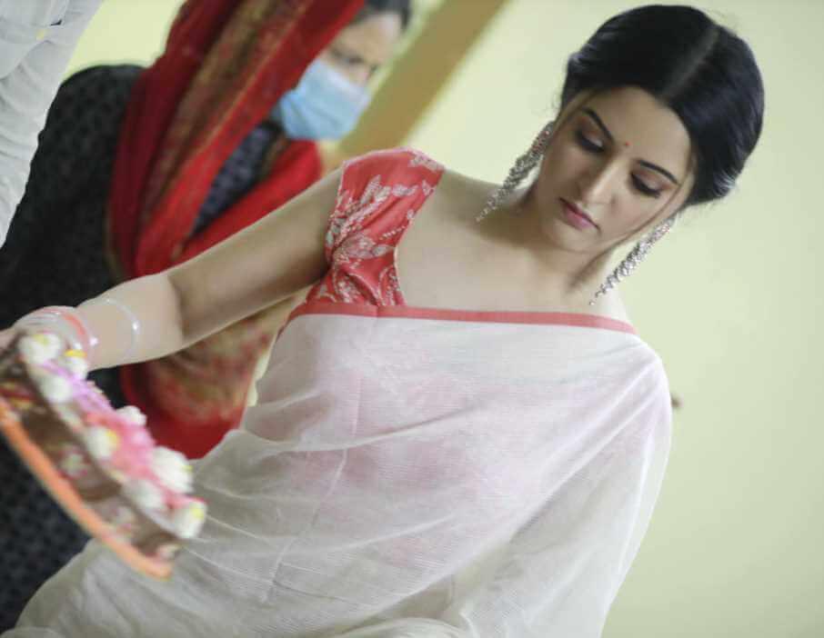 Pori Moni beautiful saree Image