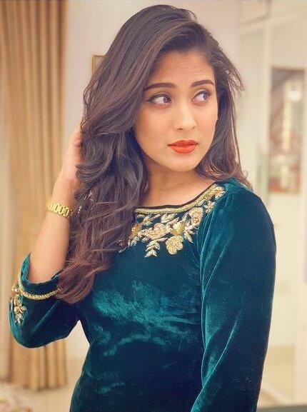 Mehazabien Chowdhury Salwar Kameez Style Image