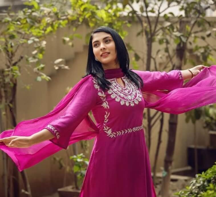 Mehazabien Chowdhury Salwar Kameez Style Pic